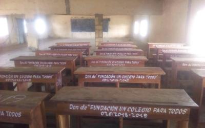 Mobiliario escolar para el instituto de secundaria CEG1 de Djougou