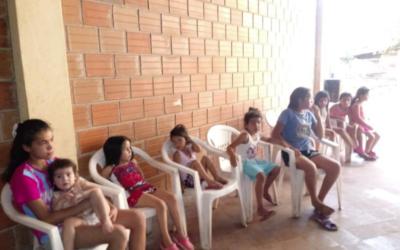 Envío de uniformes a un orfanato de Paraguay